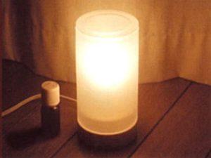 アロマランプ(コンセントタイプ、点灯中)