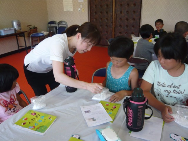 南会津町で出張アロマ教室(バスボム作り)