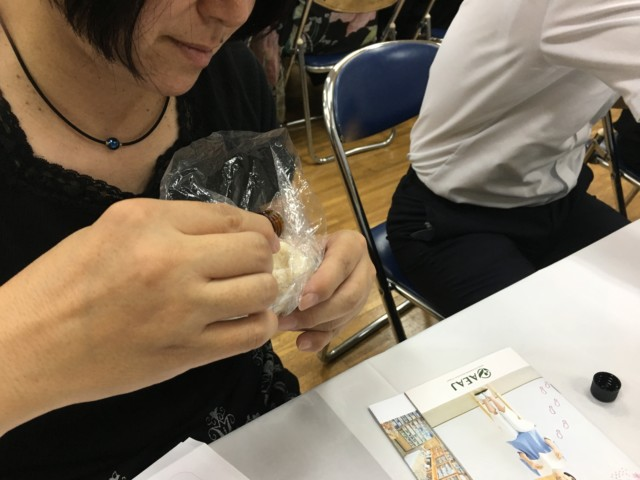 若松5中出張アロマ教室