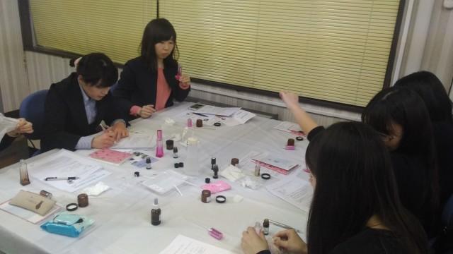 喜多方市勤労青少年ホームアロマ教室・香りのブレンド