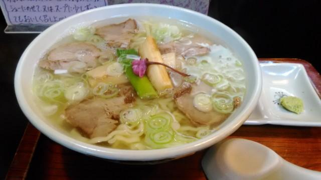 喜多方ラーメン上海さんの塩桜ラーメン