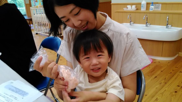 若松第二幼稚園・星の子ランド 親子でアロマ石けん作り